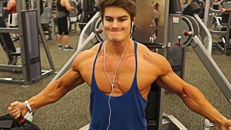 Pro Chest and Tricep Workout by Jeff Seid