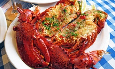Grilled lobster with lemon and chive breadcrumbs