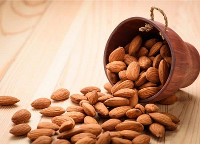 Almonds are a nutritious snack