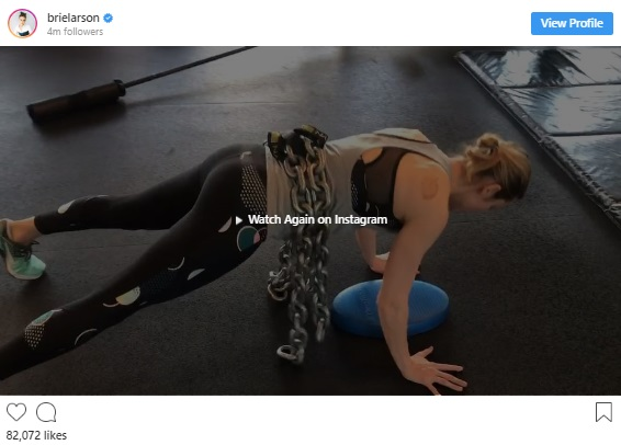 brie larson push-ups